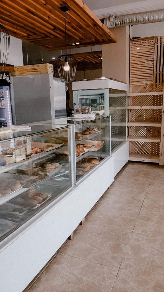 King bakery gambia broodjes bakkerij ontbijt lunch